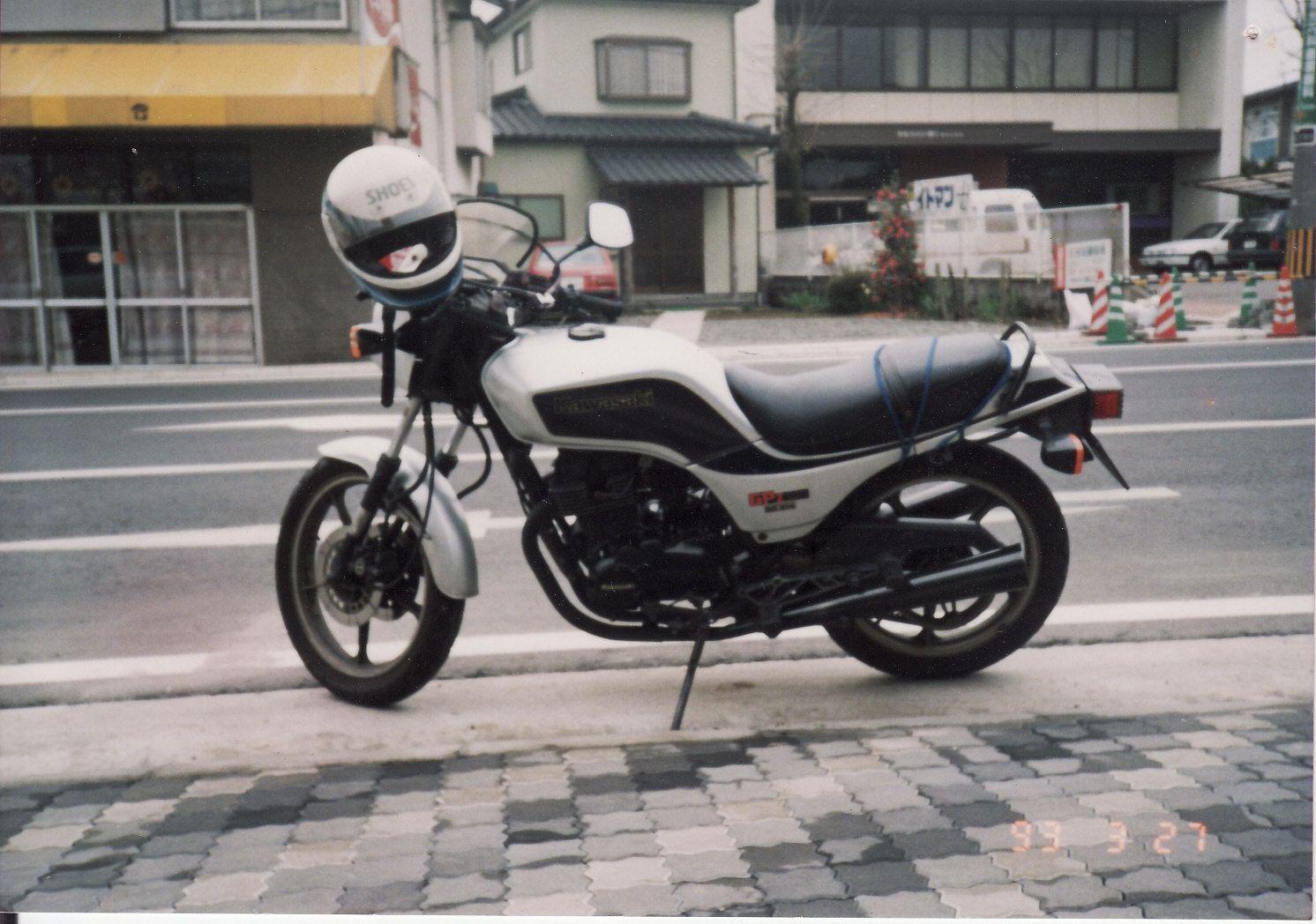 KAWASAKI GPZ250 DOHC 2気筒 ベルトドライブ