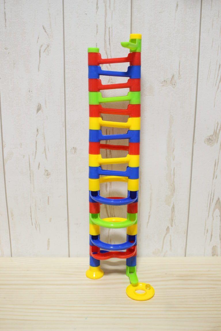 ダイソー 100均で買えるクーゲルバーン 子どもより大人がハマる ビー玉スロープ 使ってみた おうちdeモンテ 手作りおもちゃ 手作り おもちゃ 子ども 100円ショップのクラフト