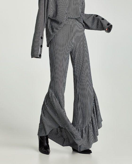 Zara Dokumlu Volanli Pantolon Moda Stilleri Pantolon Moda