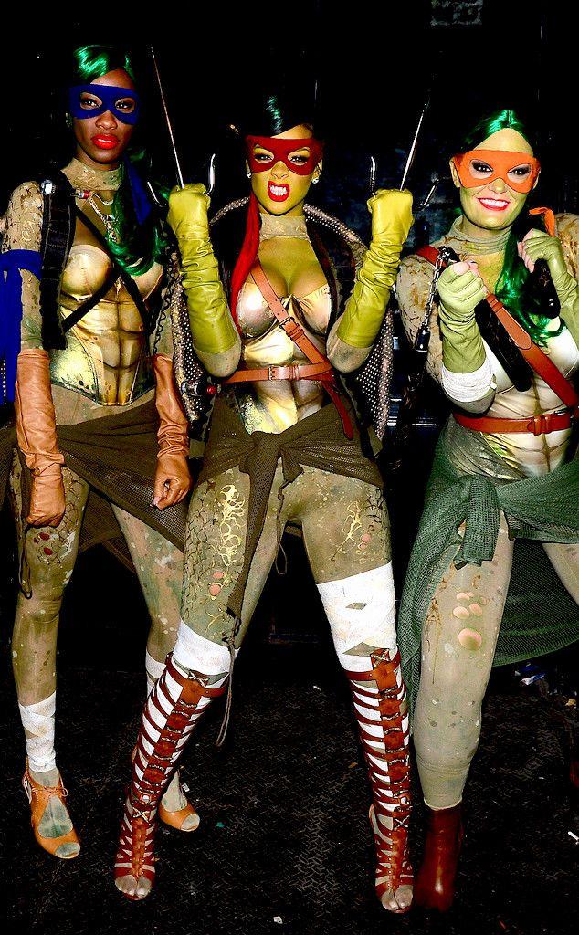 halloween costume sexy Rihanna