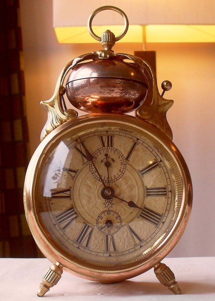 The most beautiful antique alarm clock 'cherrie' - Junghans