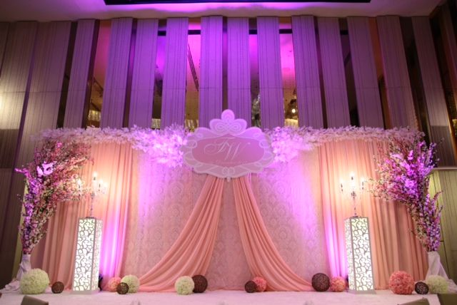 Pin By Pris On Wedding Wedding Stage Decorations Wedding