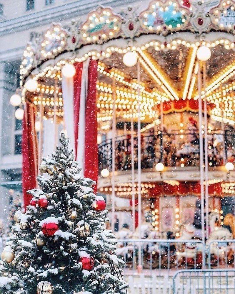 """Photo of Winter Girl on Instagram: """"#christmastree🎄 #christmasdecoration #christmasvibes🎄 #christmas🎄#hohoho🎅 #christmastree🎄 #christmaseve🎄 #christmasday🎄 #fireplace…"""""""