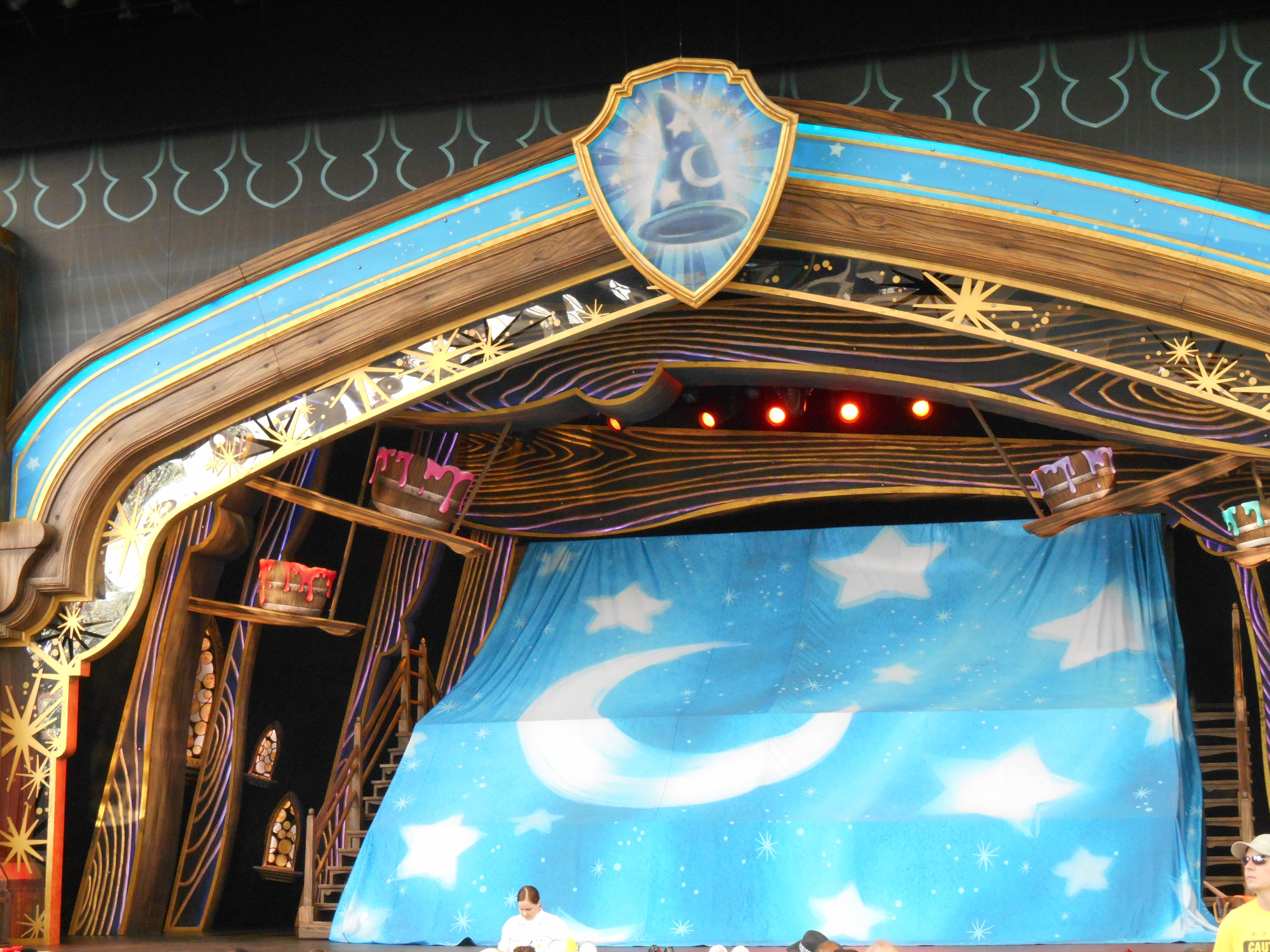Part 2 of Mickey and the Magical Map performance at Disneyland is now available. Enjoy http://youtu.be/zE41qcIkwkw!