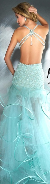 <3In general I prefer white wedding dresses but this one is so cute