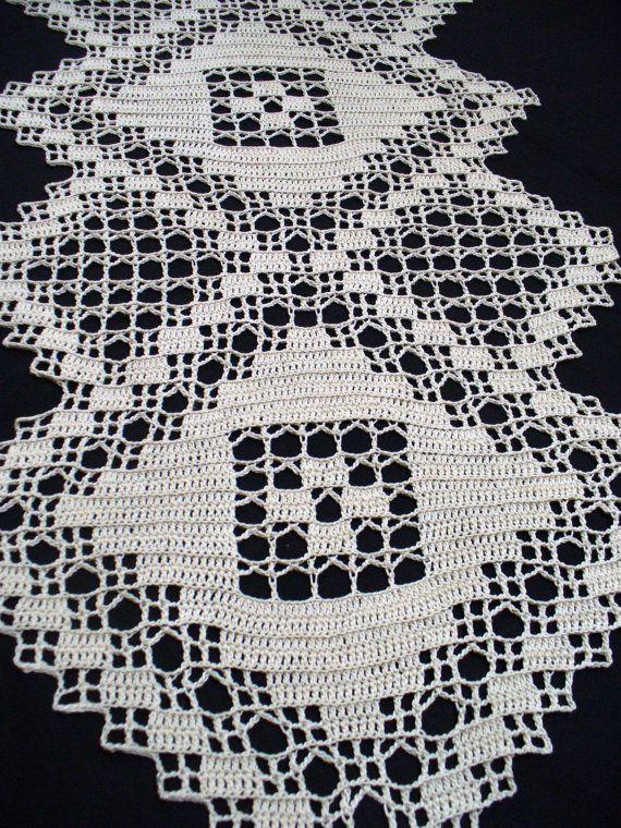 Handmade Natural Crochet Table Runner: Major Triad   Corredores ...