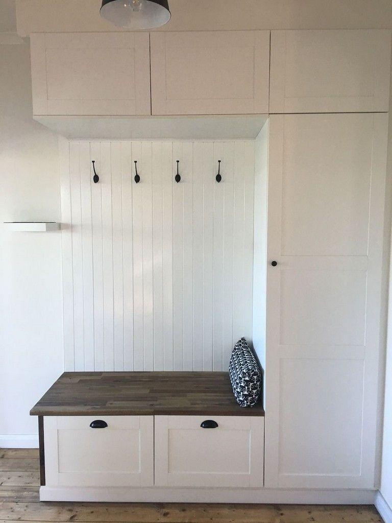 70+ Pretty DIY Rustic Mudroom Entryway Decor Ideas #entrywaydecorideas #mudroom #entrywaydecor #decorateshop