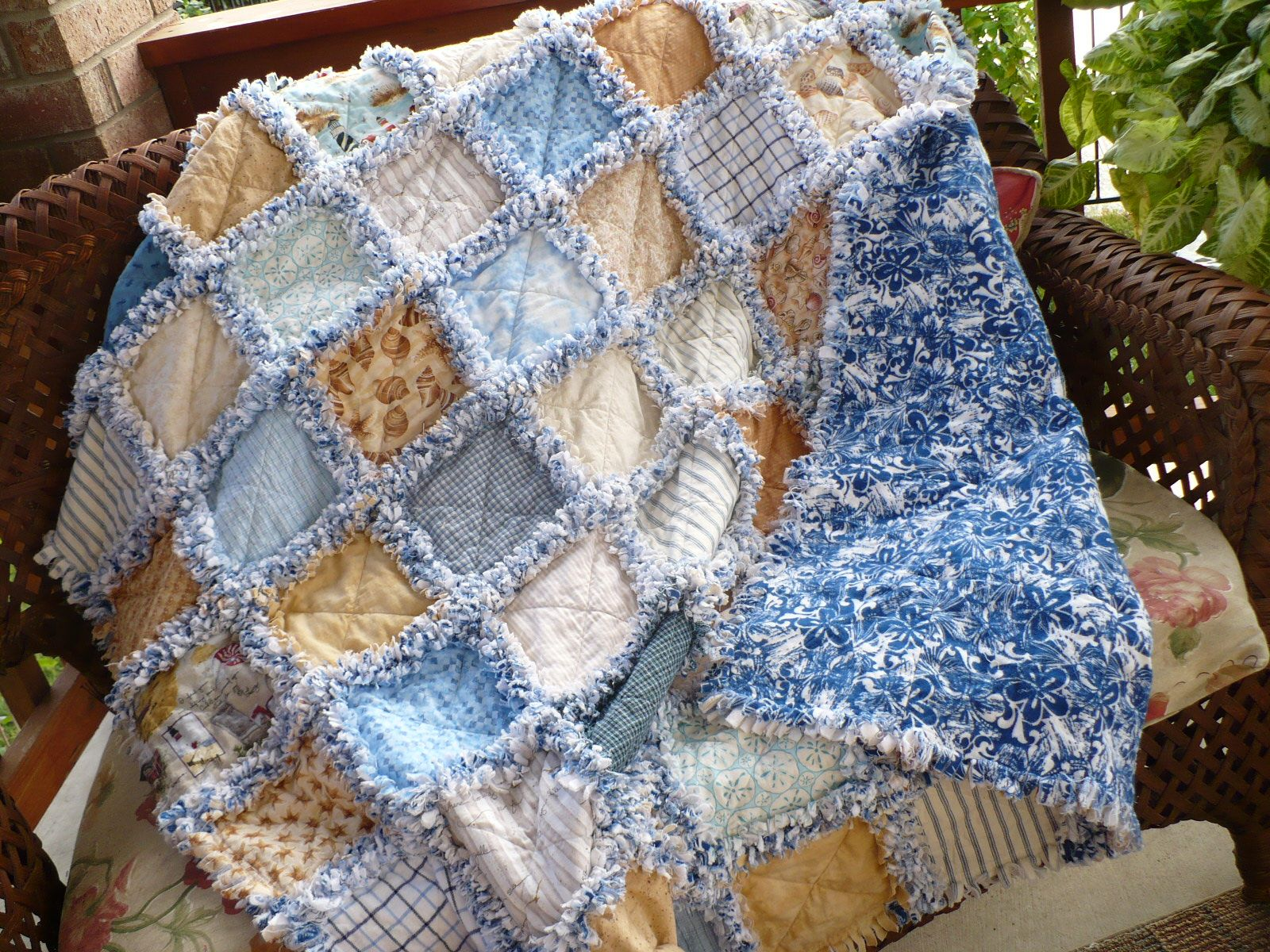 Pin By Jerri Jarvis On Large Quilts Rag Quilt Patterns Beach Quilt Rag Quilt