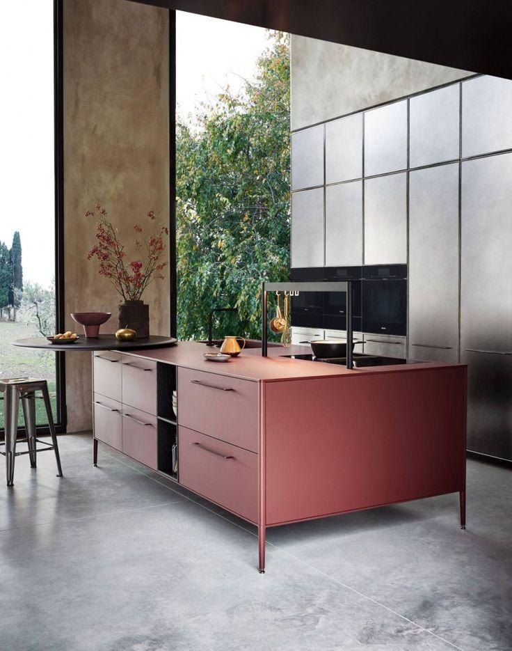 Modern kitchen with Isola Unit Cesar Küche freistehend