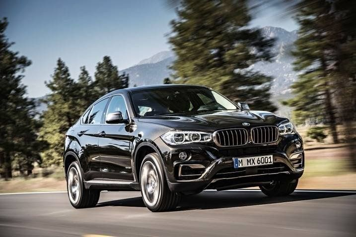 A Review Of The 2016 Bmw X6 That Covers Pros And Cons Available Options Powertrains And Overall Driving Performance Bmw X6 Bmw Suv Bmw Car Models