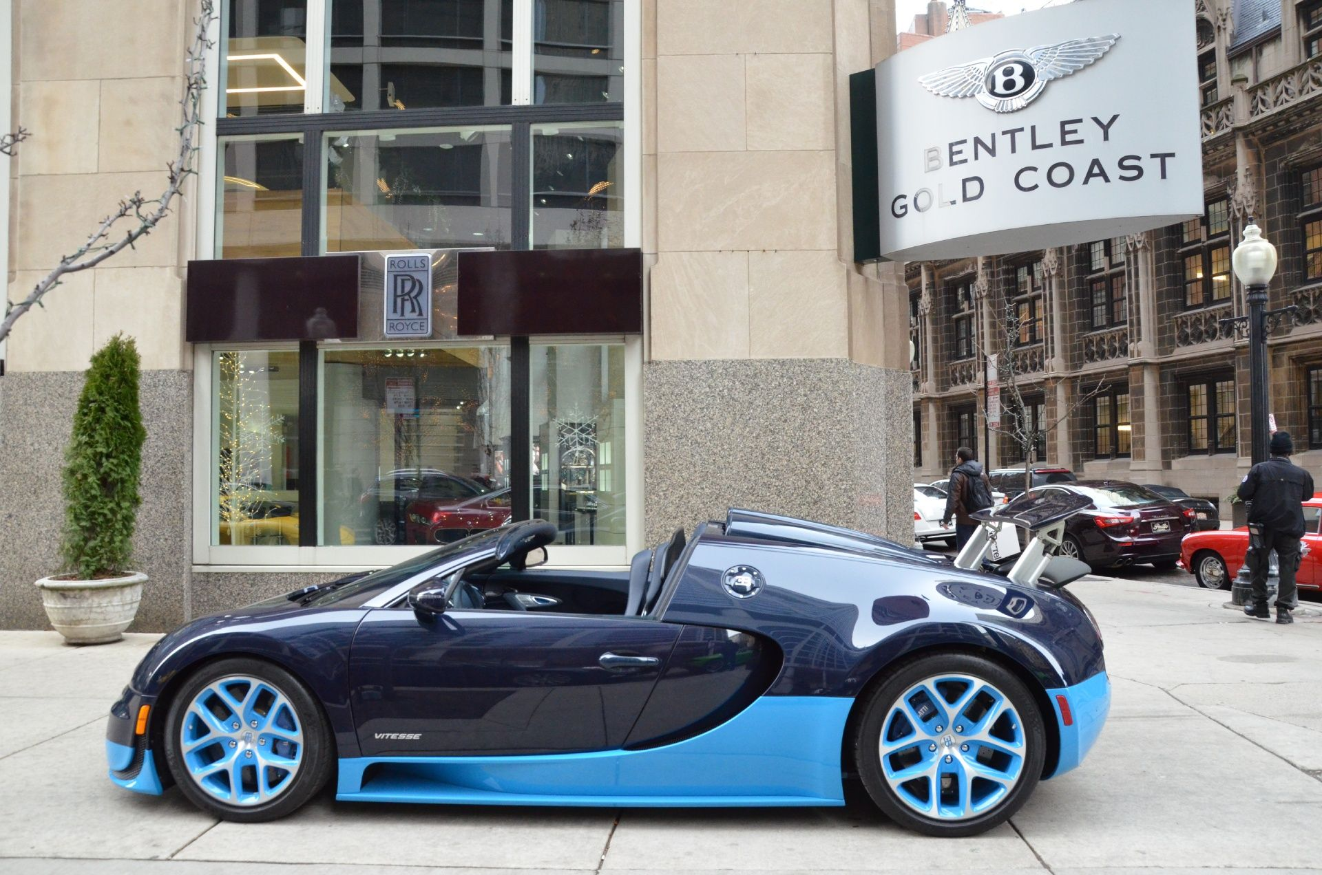 2014 Bugatti Veyron Vitesse in blue on blue is beautiful.