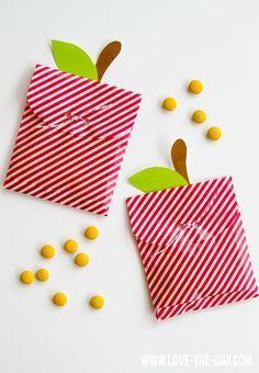 Apple Crafts Week:: DIY Apple Treat Bags