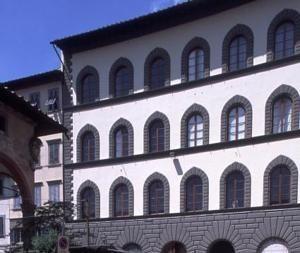Firenze Suite (3 voksne) 60 m² 6 netter Frokost NOK118,30  NOK 6 624,60