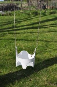 make your own toddler swing from a 5-gallon bucket!