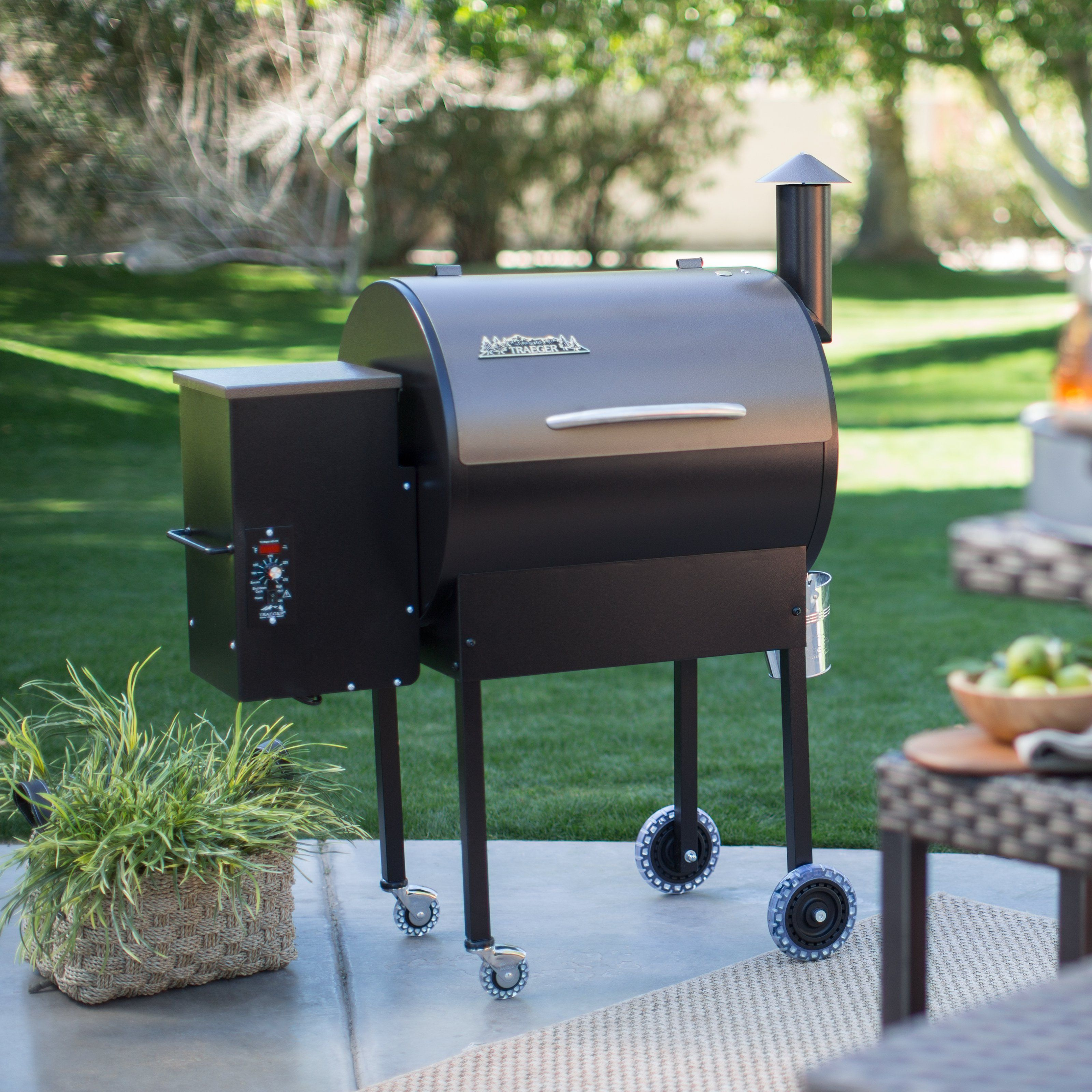 8b216666723cef3542784ab098c74241 the outlaw package offers features the renegade can't beat the 2016 Texas Elite 34 Traeger at crackthecode.co
