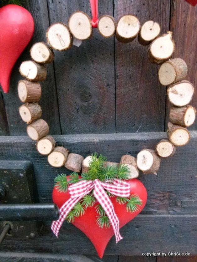 Fensterschmuck fensterdeko herzkranz ein designerst ck von chrisue bei dawanda weihnachten - Fensterschmuck weihnachten basteln ...