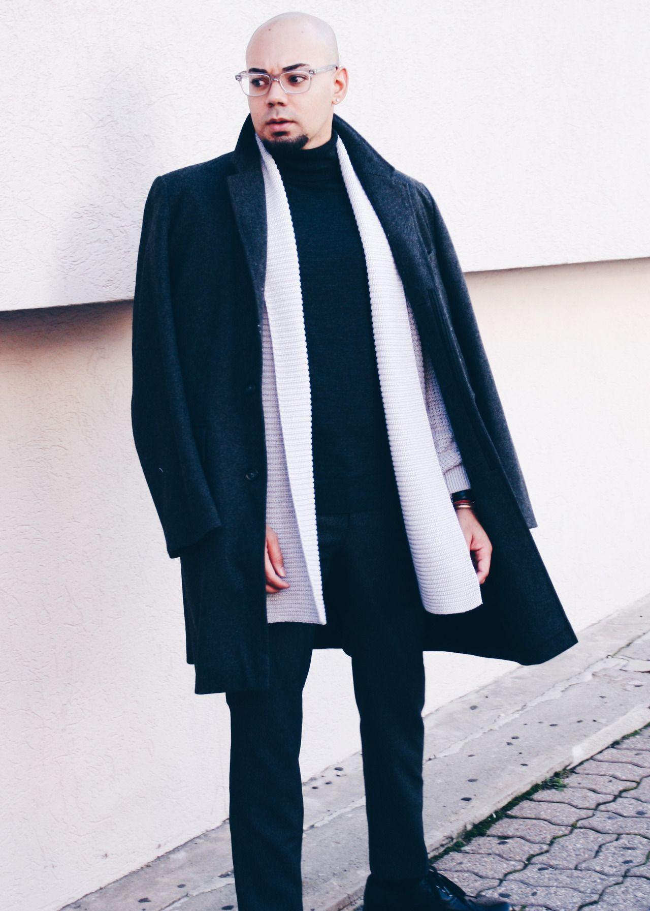 Monochromatic Grey + Oversized Overcoat Overcoat // Calvin Klein (similar) -- Cardigan // Topman -- Turtleneck // Uniqlo -- Pants // H&M -- Shoes // Steve Madden
