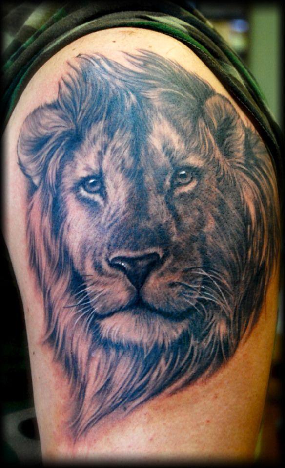 462b02e2f Shane O'Neill crazy realism and detail   Tattoos / Piercings   Lion ...