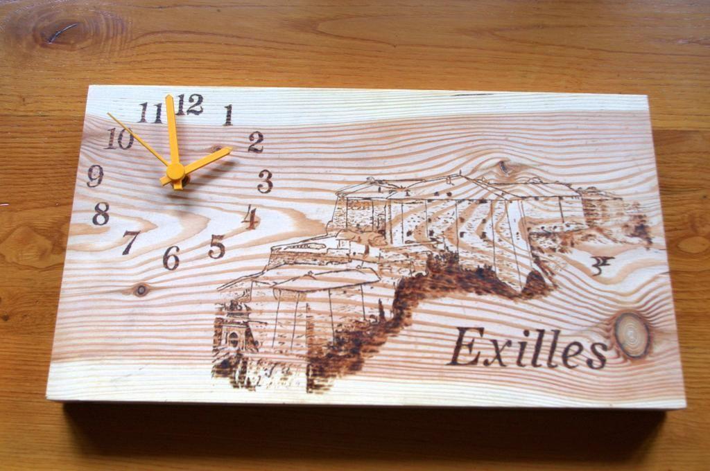 Forte di Exilles con orologio