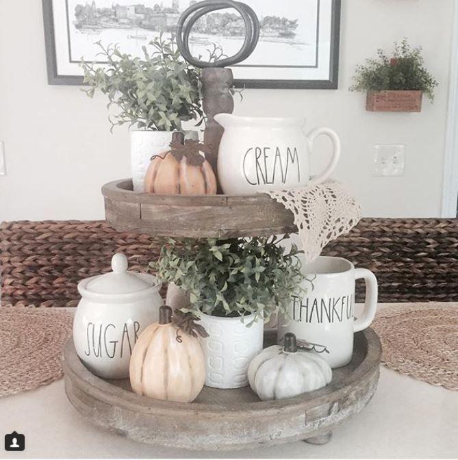 20 Dreamy Farmhouse Style Fall Decor Ideas in 2019 Fall