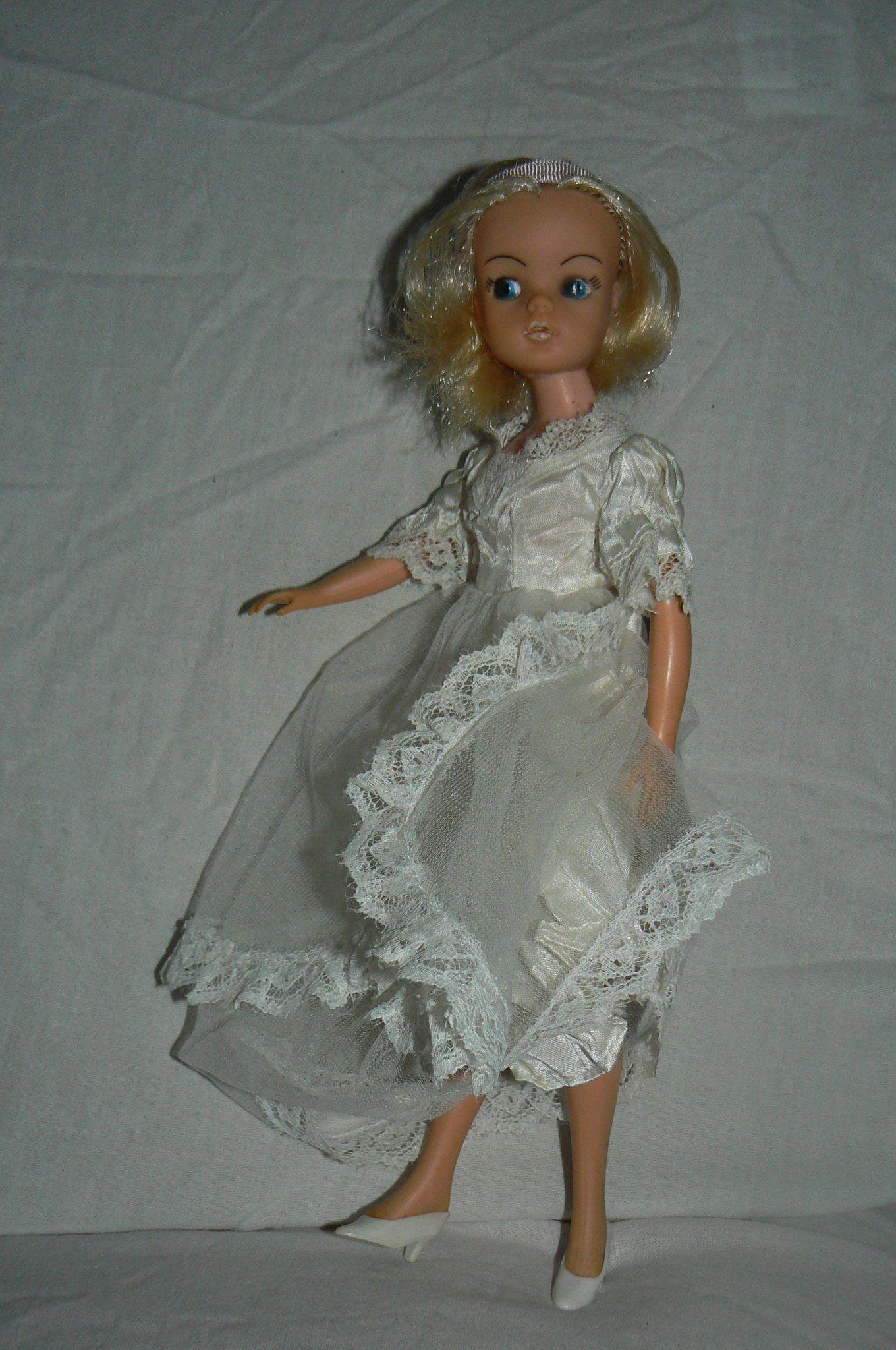 Sindy bride doll