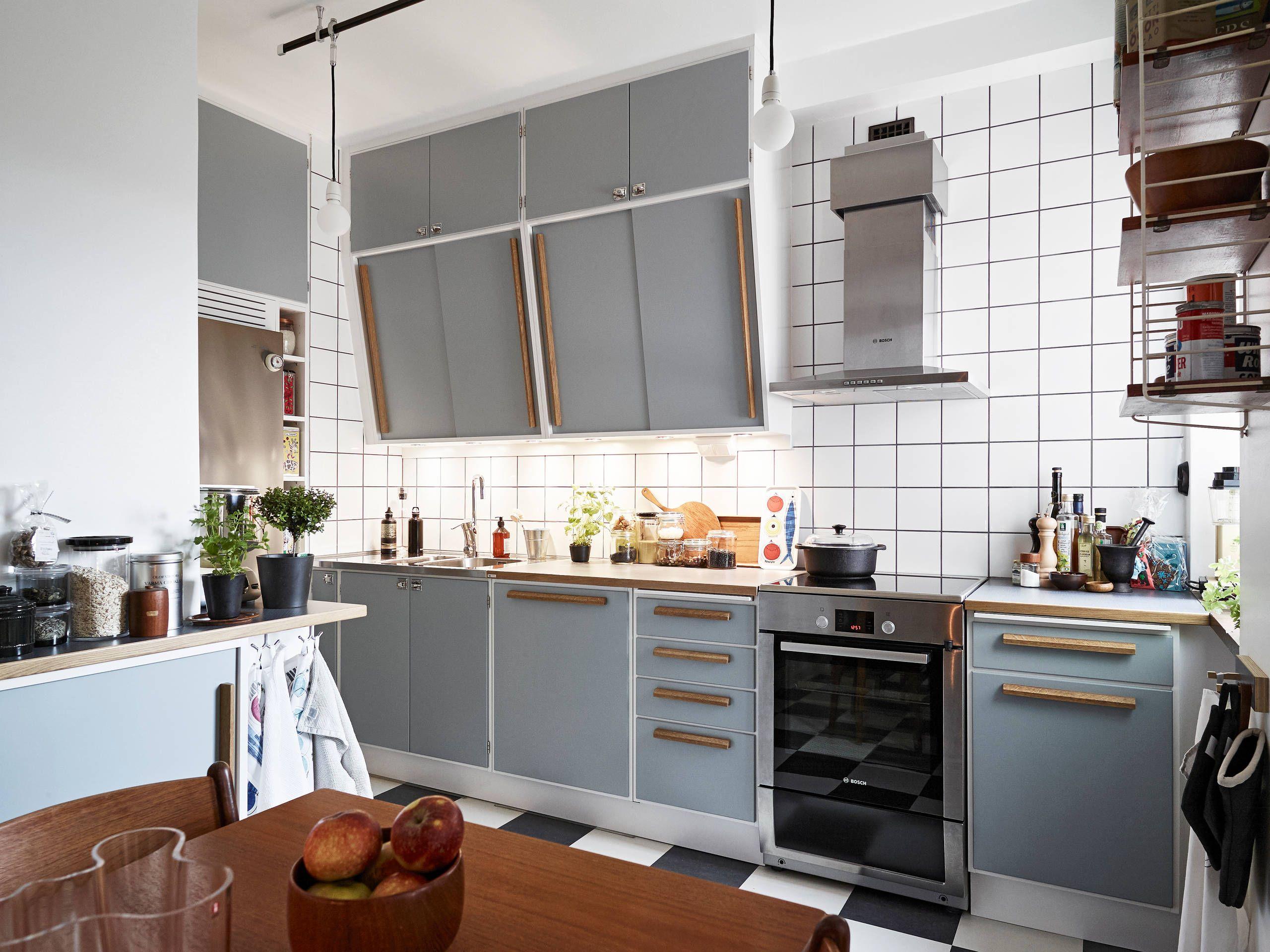 retro kitchen with a modern tough | KÜCHE - KITCHEN | Pinterest | Küche