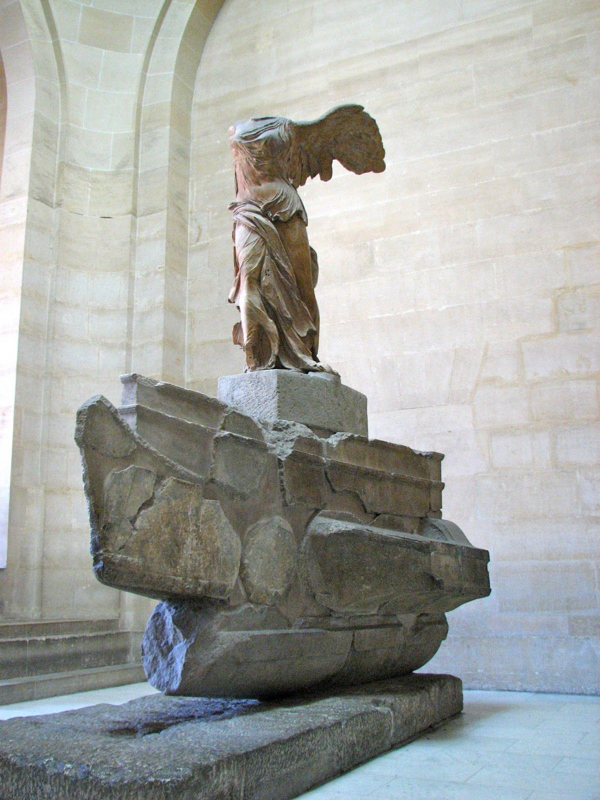 Nike of Samothrace (Winged Victory). Louvre. Paris, France.