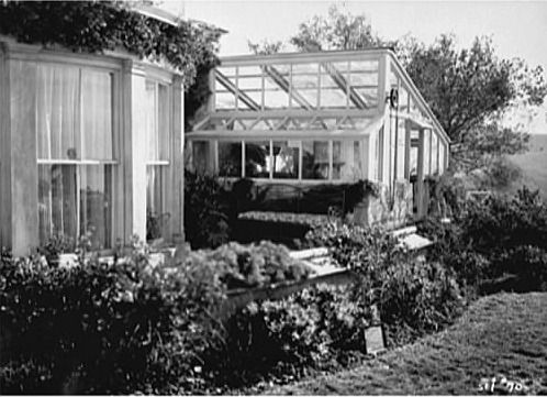 Gull Cottage In The Movie The Ghost And Mrs Muir Muir Cottage Famous Houses