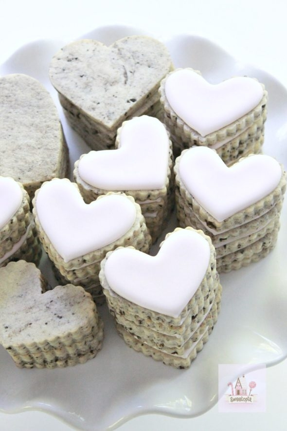 Cookies n' Cream Cut Out Cookie #quickcookierecipes