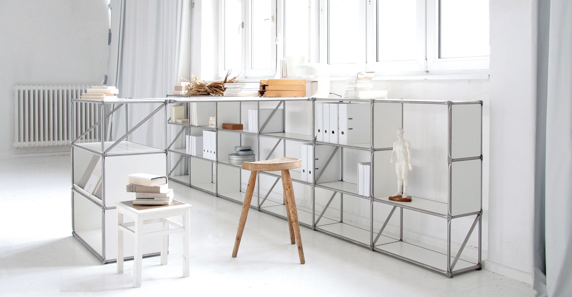 kontrast #furniture #homeoffice #system180 #allwhite #white ...