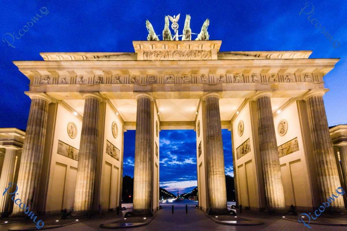 Picosmo Com Das Brandenburger Tor In Berlin Stadte Brandenburger Tor Tor Berlin Stadt