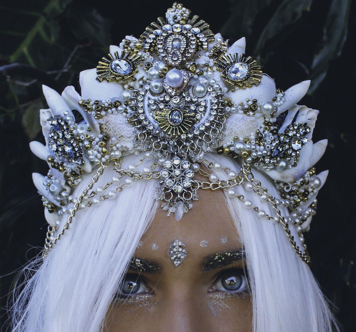 Stunning Handmade Mermaid Seashell Crowns by Chelsea Shiels #mermaid