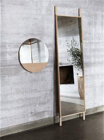 skandinavisches design standspiegel mit eichenrahmen von h bsch interieur gro e auswahl online. Black Bedroom Furniture Sets. Home Design Ideas