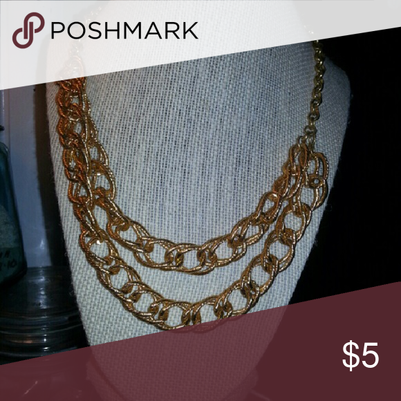 Double-strand Necklace! NWOT Very chic and on-trend classic gold link double chain necklace; light-weight costume jewelry Jewelry Necklaces