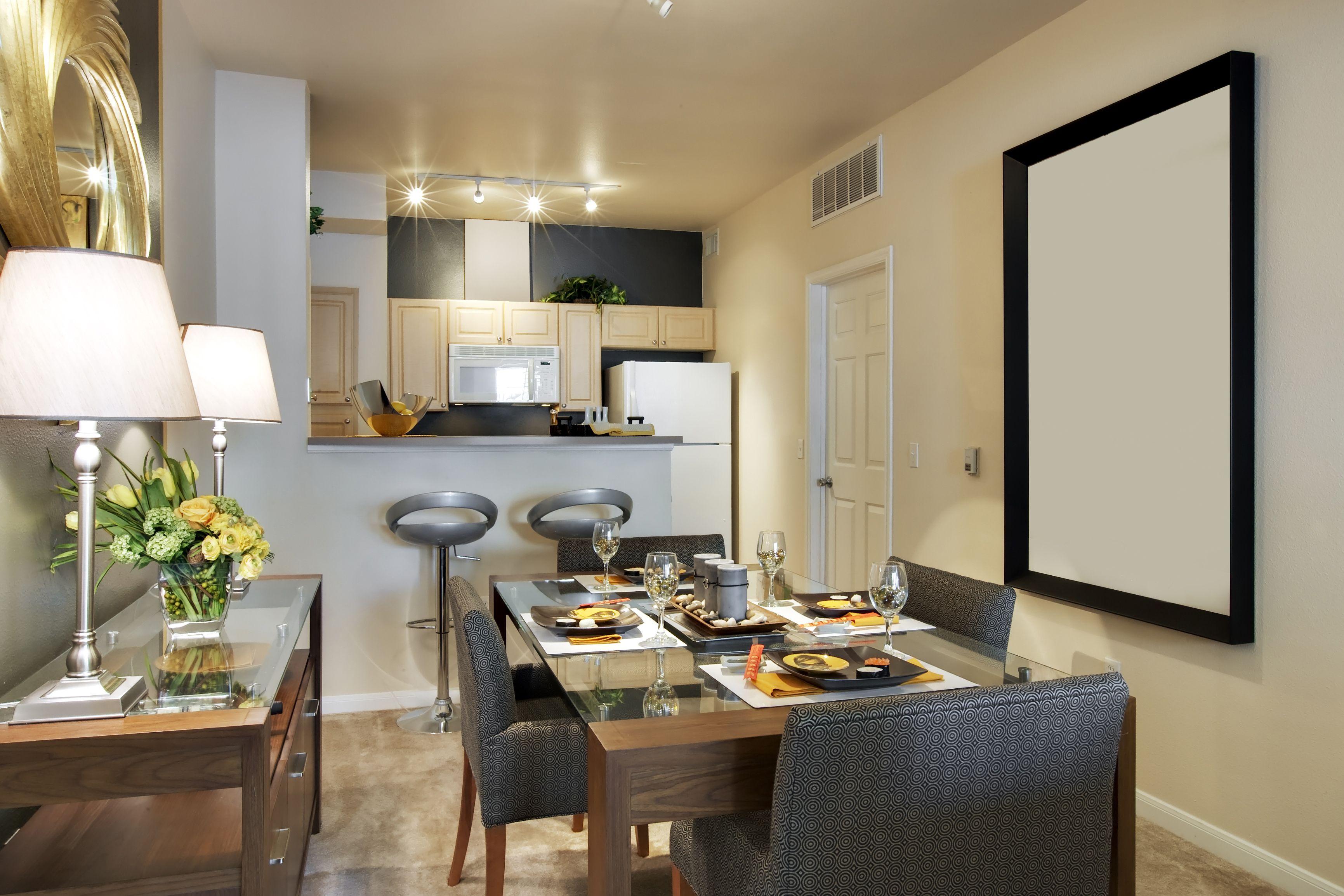 tip casa pequea utiliza colores claros los colores claros pueden dar la sensacin de - Como Decorar Una Casa Pequea