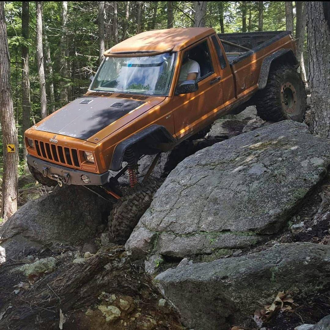 #manchemonday #jeep #jeepmj #fieldandforest