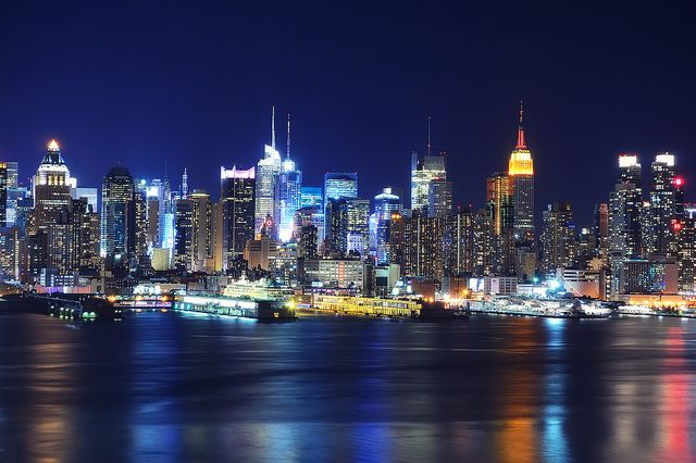 Midtown Manhattan At Night From Old Glory Park By Andrew C Mace Via Flickr New York Wallpaper Ny City New York Night