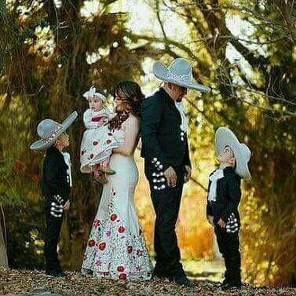 Cool Wedding Pics Ideas: 32 Simple And Unique Charro Wedding Dress Ideas