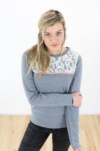 Sweatshirts - Pullover Lykoula hellgrau Spitze - ein Designerstück von Shoko bei DaWanda
