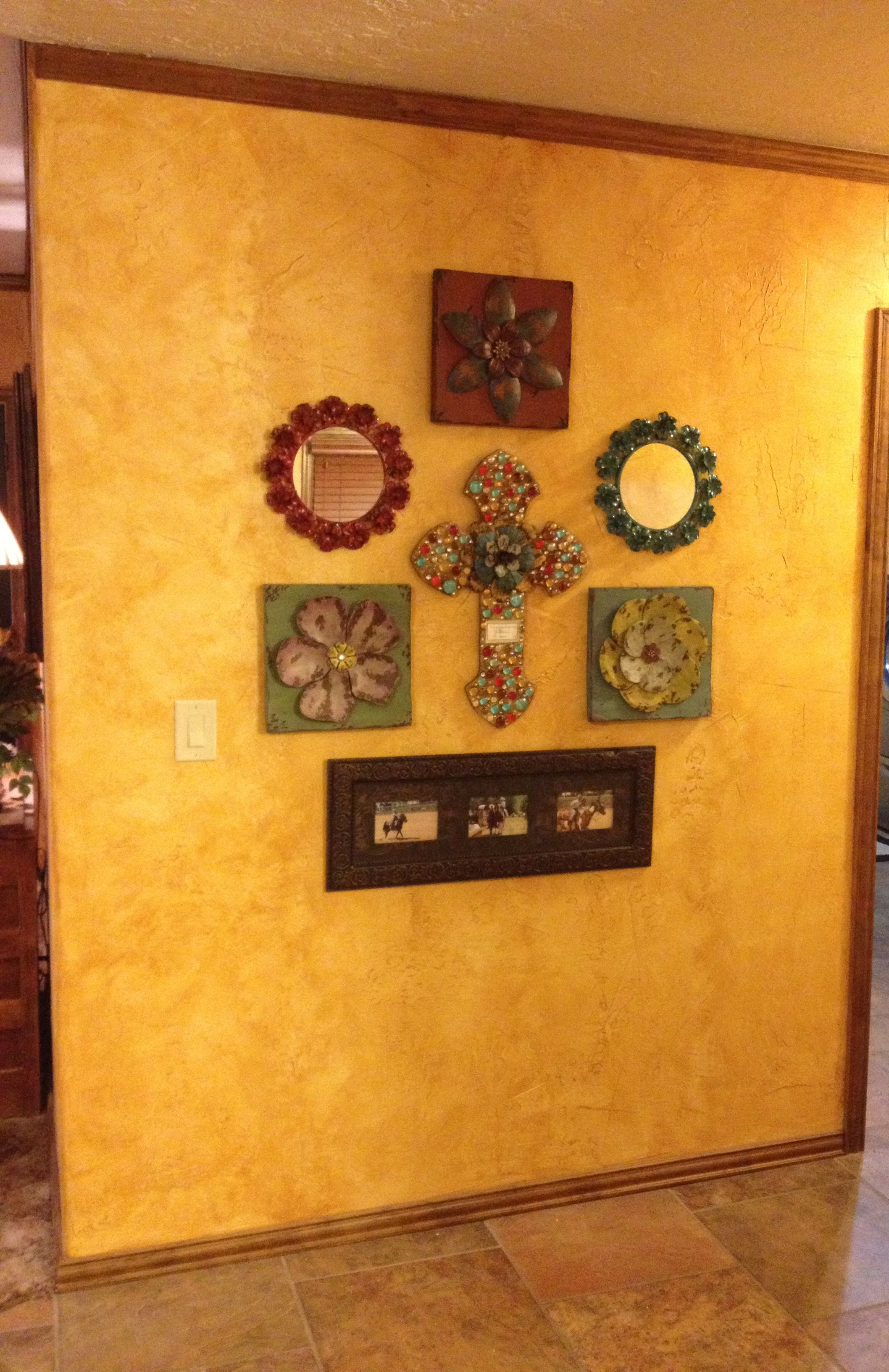 Hallway Wall Decor Arrangement