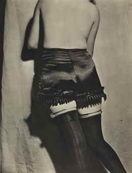 'Pantalon Tentation' en satin noir, gros ruches en ruban autour des jambs, Paris, 1932