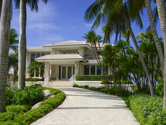 Luxury real estate in Key Largo FL US - Waterfront Living at Ocean Reef - JamesEdition