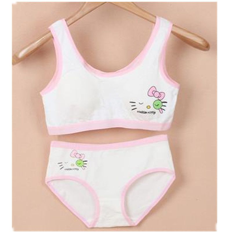 24b1a8135a2 2017 Teenage Girls training Bra Cartoon Underwear Bras For Kids Cotton Baby  Clothing Wireless A0023