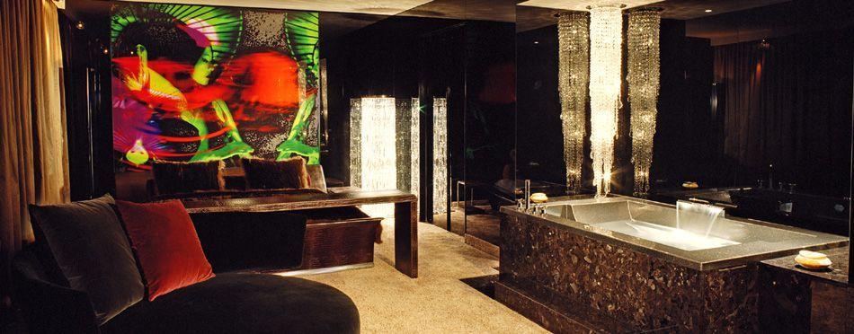 skyfall suite themensuiten design hotel savoy spa k ln savoy hotel cologne pinterest. Black Bedroom Furniture Sets. Home Design Ideas