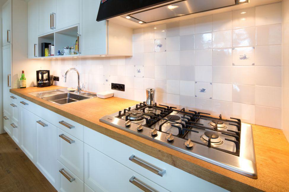 Küchen Traditionell | Klocke MIELE Gasherd | Schnoor Küche ...