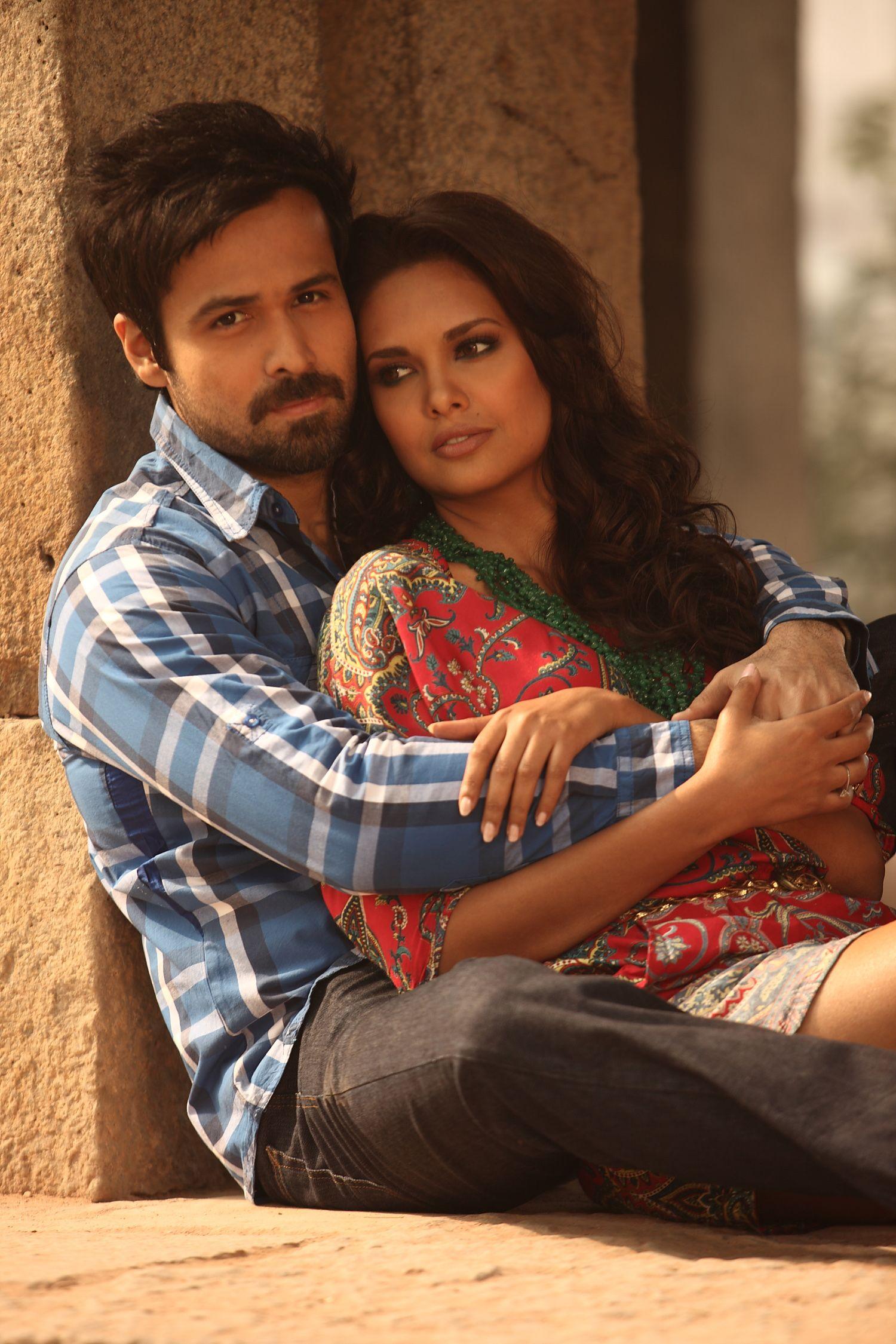 Emraan Hashmi and Esha Gupta in Jannat 2
