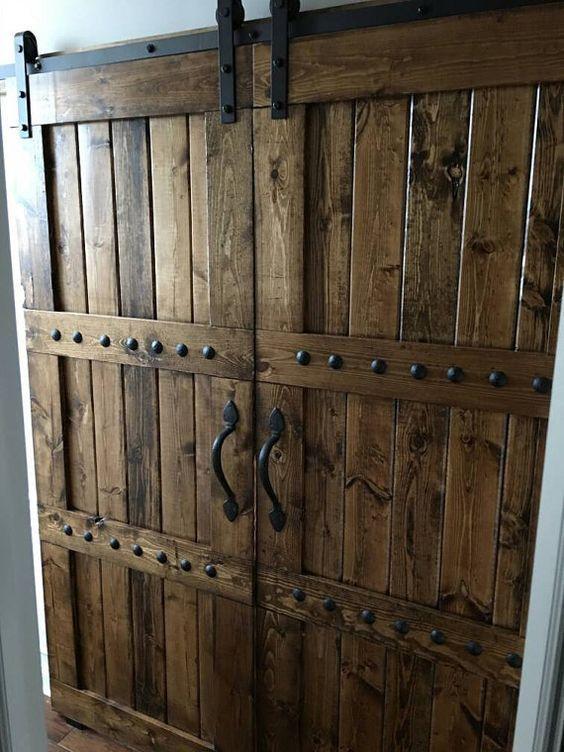 Portones antiguos de madera portn de madera levadizo for Portones de madera antiguos