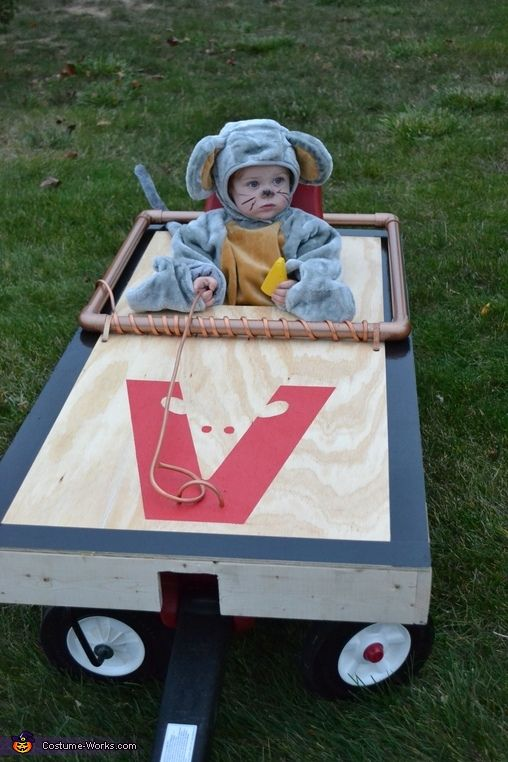baby mouse in a mouse trap costume - Kids Halloween Radio