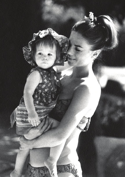851afe9b2fc Natalie Wood with baby Natasha on vacation in Palm Springs