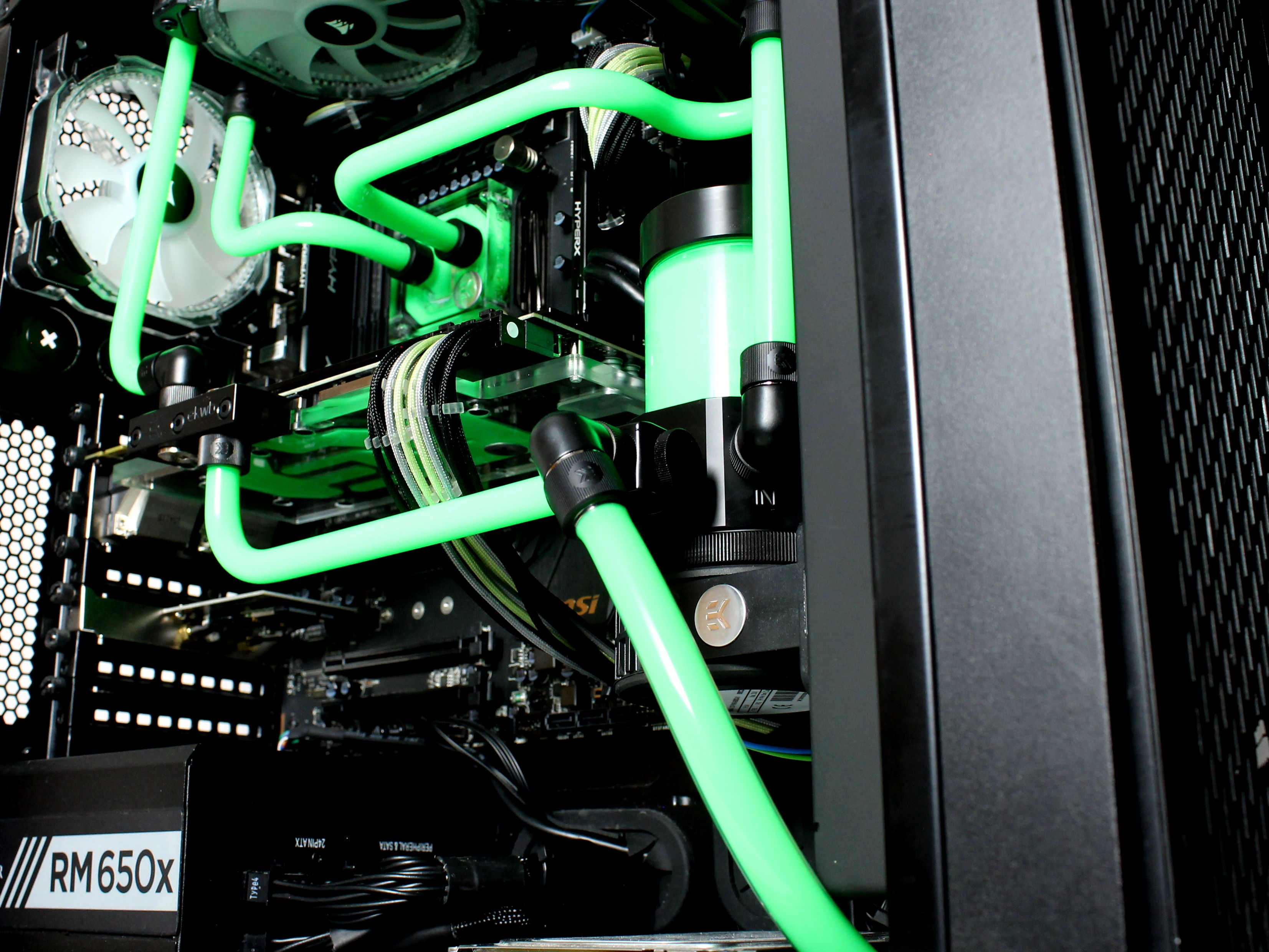 Custom Water Cooling Loop With Acrylic Tubing Custom Computer